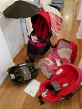 Britax stroller and kinderwagen with all accessories + Cybex carseat with base in Wiesbaden, GE