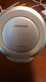 Samsung Fast Wireless Charger in bookoo, US