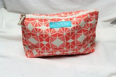 NWOT Satchel & Sage Clinique Make Up Cosmetic Bag Toiletries Lipstick Eye Shadow Coins in Kingwood, Texas