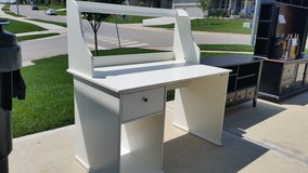 White Desk in Fort Leavenworth, Kansas
