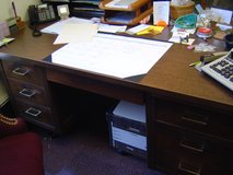 Executive desk in Nashville, Tennessee