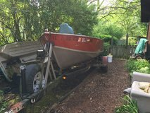 16' deep V Lund Fishing Boat with 35 hp. Evinrude motor and ezzy load trailer in New Lenox, Illinois
