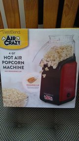 New Westbend 4 quart Hot air popcorn machine in Tinley Park, Illinois