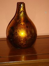 "7""H gold vase in Oswego, Illinois"