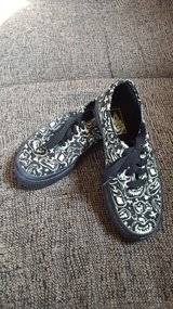 Vans off the wall Halloween kids shoes glow in the dark 13.5 in Plainfield, Illinois