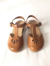 Old Navy Clogs Size 9 in Ramstein, Germany