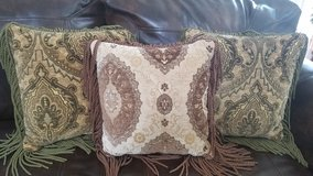 Decorative throw pillows in Plainfield, Illinois