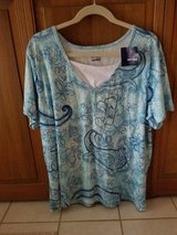 NEW Size 2X top in Westmont, Illinois
