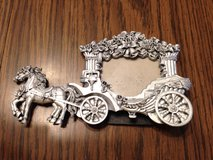 Wallet sz. horse drawn carriage picture frame in Glendale Heights, Illinois