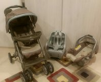 Graco stroller with car seat and base in Okinawa, Japan