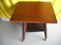 Mahogany Late 1940'S 50,s TV stand On Casters Wooden body Formica Top On Swivel in Temecula, California