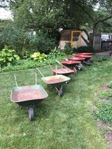 Wheelbarrows in Glendale Heights, Illinois
