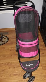 Gen 7 Pets Pet stroller2 in Shorewood, Illinois