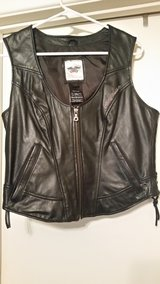 Harley Davidson leather womens vest sz large in Macon, Georgia