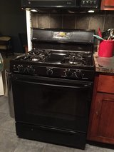 GE 4 burner stove and oven in Tinley Park, Illinois