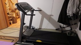 Golds Gym Trainer 550 Treadmill in Grafenwoehr, GE