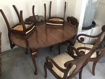 Dinning room table in Beaufort, South Carolina