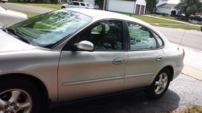 2000 Ford Taurus SE, 75,000 miles in Algonquin, Illinois