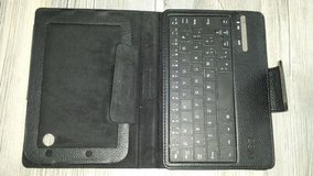 PRICE REDUCED - Keyboard - bluetooth portable in Ramstein, Germany