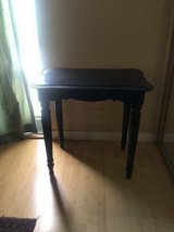 small end table - in oceanside in Oceanside, California