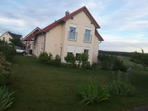 Beautiful Small House 15 min Drive to Graf or Vilseck with 220v/110v Outlets in Grafenwoehr, GE