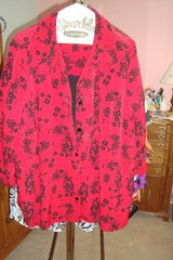 Red & black blouse  sz 4X Newer in Naperville, Illinois