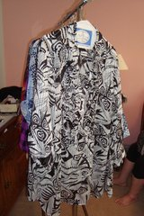 Black & White Blouse sz 3X Newer in Naperville, Illinois