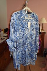 Blue & White Blouse sz 4X  NWT in Naperville, Illinois