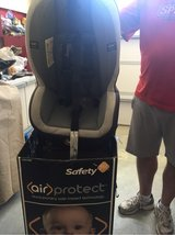 child's car seat used 1 week in Fort Meade, Maryland