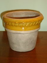"flower pot 4-1/4""H x 5""H in Bolingbrook, Illinois"