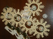 5 NWT snowflakes w/jinglebells in Glendale Heights, Illinois