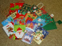 18 med. xmas bags in Naperville, Illinois