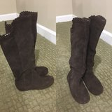 Gap Girls Suede Boots in Great Lakes, Illinois