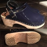 Hanna Anderson Clogs in Great Lakes, Illinois