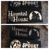 2-halloween battery operated light up signs in Cleveland, Texas