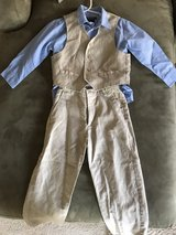 Kenneth Cole suit set in Glendale Heights, Illinois
