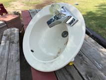 Round Vanity Sink w/ Faucet in Alamogordo, New Mexico