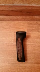 Mathews RH Flat Back Bow Grip (Fits all Mathews bows except a few.) in Oswego, Illinois