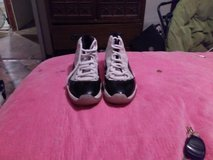 jordans size 9 1/2 in New Orleans, Louisiana