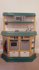 Toy Pretend Kitchen in Bartlett, Illinois