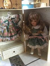 Lasting impressions doll dress in box with draw in Cleveland, Texas