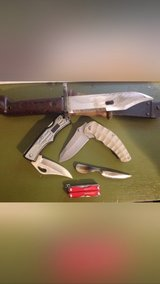 Knife lot in Camp Lejeune, North Carolina