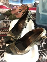 Cool Army Patterned Shoes/Heels in Wiesbaden, GE