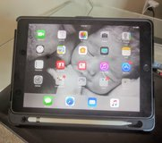 Apple iPad Air 2 in Fort Campbell, Kentucky