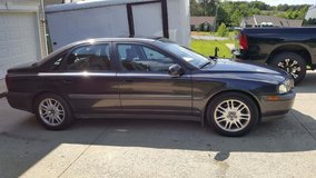 99 Volvo s80 loaded in Fort Knox, Kentucky