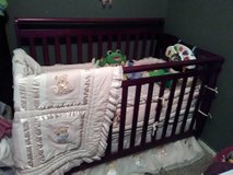 Beautiful Crib Bedding Set: Teddy Skirt ,pads,2 sheets&protector,Quilt in Fort Campbell, Kentucky