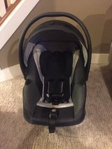 GB ASANA car seat AND 2 bases. in Fort Lewis, Washington