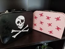 2 Pirate lunchboxes in Stuttgart, GE