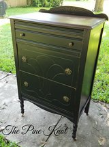 ANTIQUE CANDLESTICK LEG CHEST OF DRAWERS in Fort Polk, Louisiana