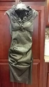 size 8 stretchy silver dress in Kirtland AFB, New Mexico